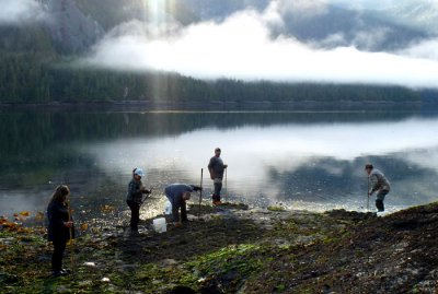 Yagwa sits'a̱'a̱g̱m. We're digging clams. Kitsumkalum harvesting clams